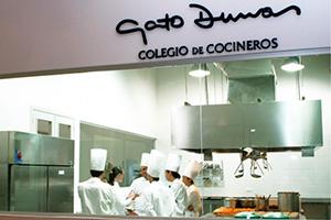 """LA OBRA """"EL PRÁCTICO"""" – 6500 Recetas - Prólogo del Gato Dumas"""